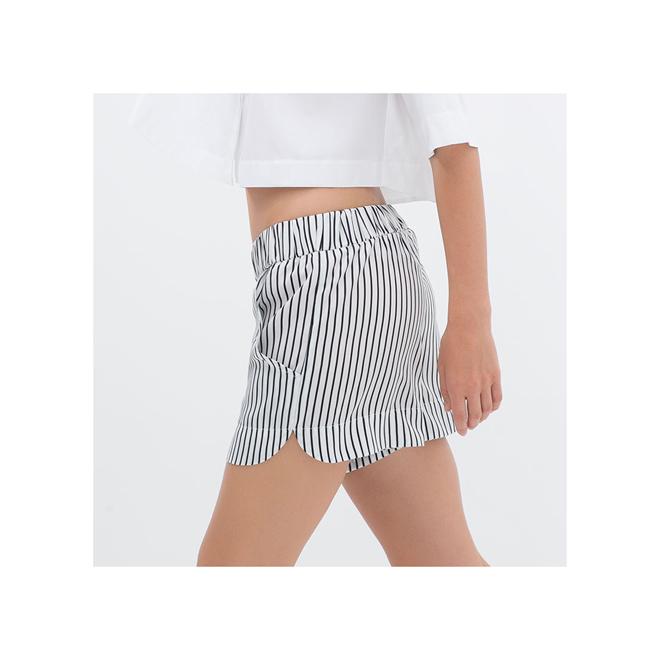 Shorts ligeros de rayas