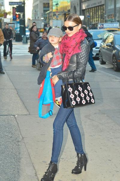 Miranda Kerr con bufanda