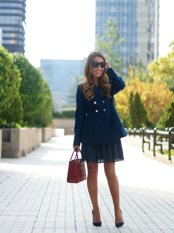 01a-street-style-tintoretto-el-corte-ingles-navy-blue-dress-jacket-stylelovely-lady-dior-so-kate-christian-louboutin-con-dos-tacones-c2t