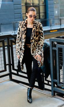 El estilo de Bella Hadid en 100 looks
