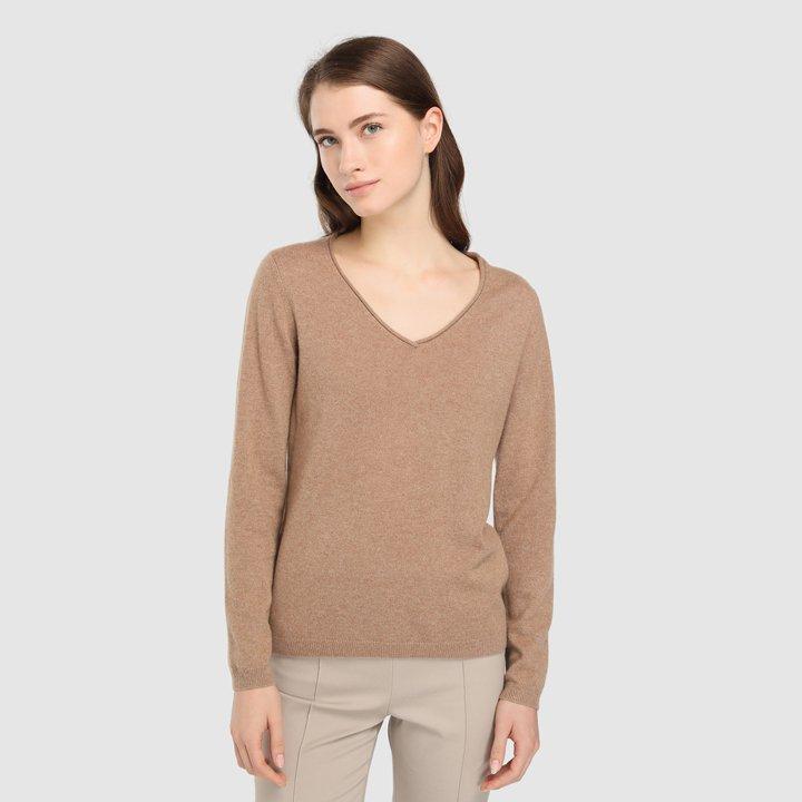 Jersey básico con cuello en pico: piezas de cashmere
