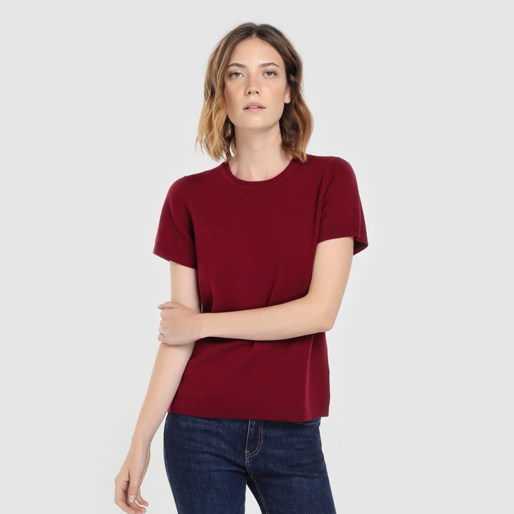 Jersey con manga corta y cuello caja: piezas de cashmere