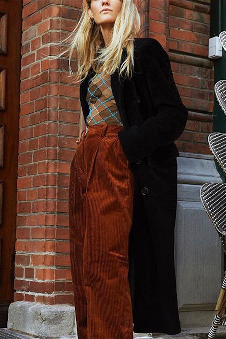 Jeanette Friis Madsen pana pantalón marrón 2018
