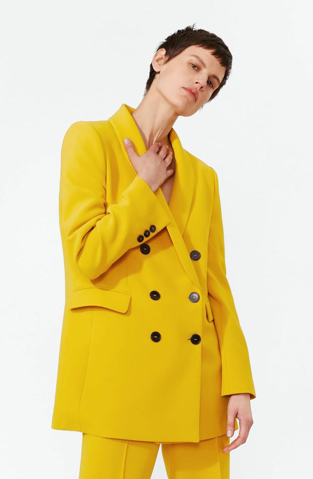 Blazer amarilla: piezas de Zara que Rocío Osorno tiene en su armario