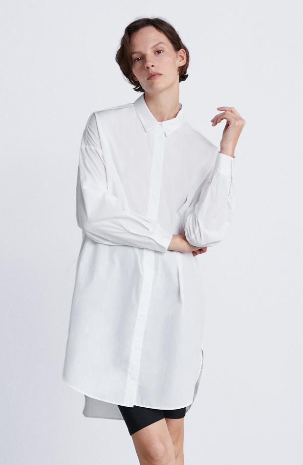 Camisa blanca oversize: piezas de Zara que Rocío Osorno tiene en su armario
