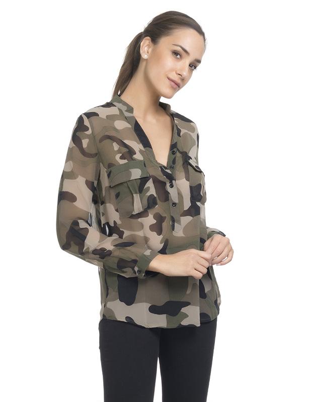 Blusa estampada de estilo militar