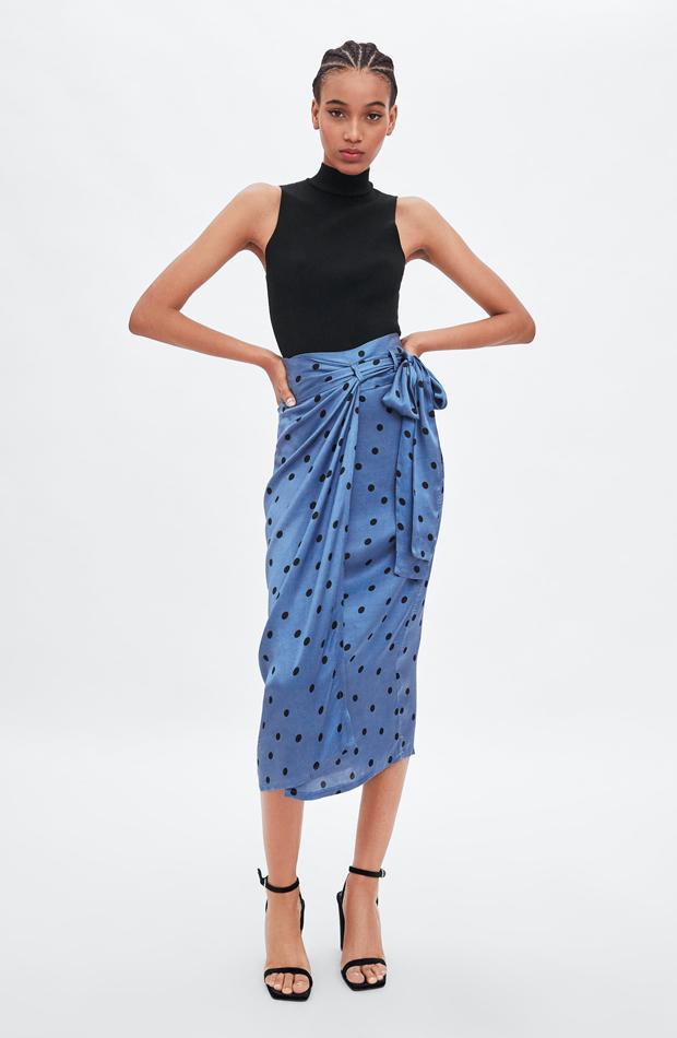 Falda midi lunares estilo pareo: piezas de Zara que Rocío Osorno tiene en su armario