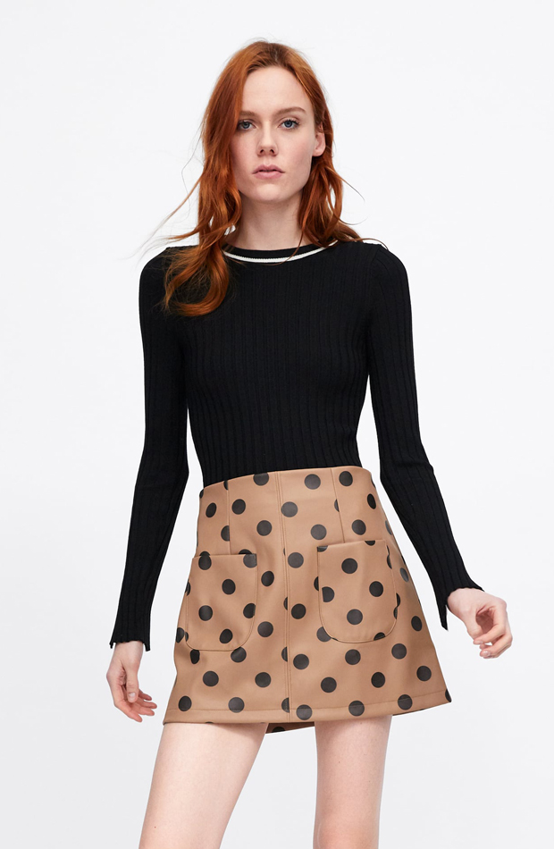 Falda lunares efecto piel: piezas de Zara que Rocío Osorno tiene en su armario