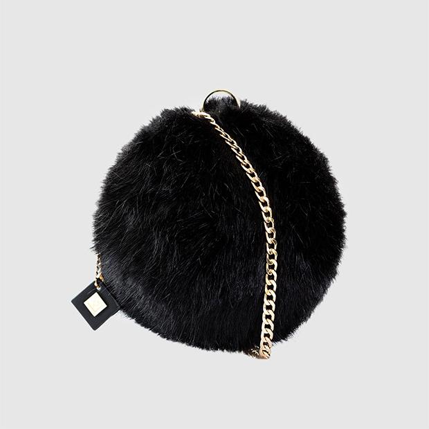 Mini bolso de pelo negro