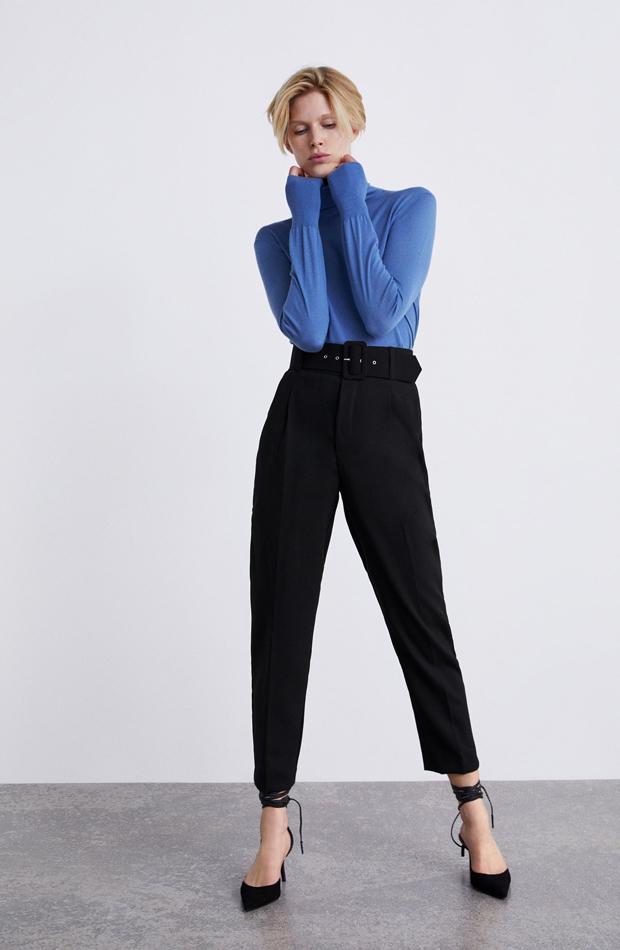 Pantalón detalle cinturón: piezas de Zara que Rocío Osorno tiene en su armario