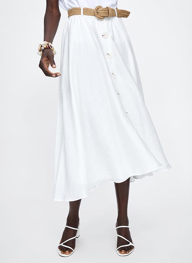 Outfits de entretiempo: falda midi