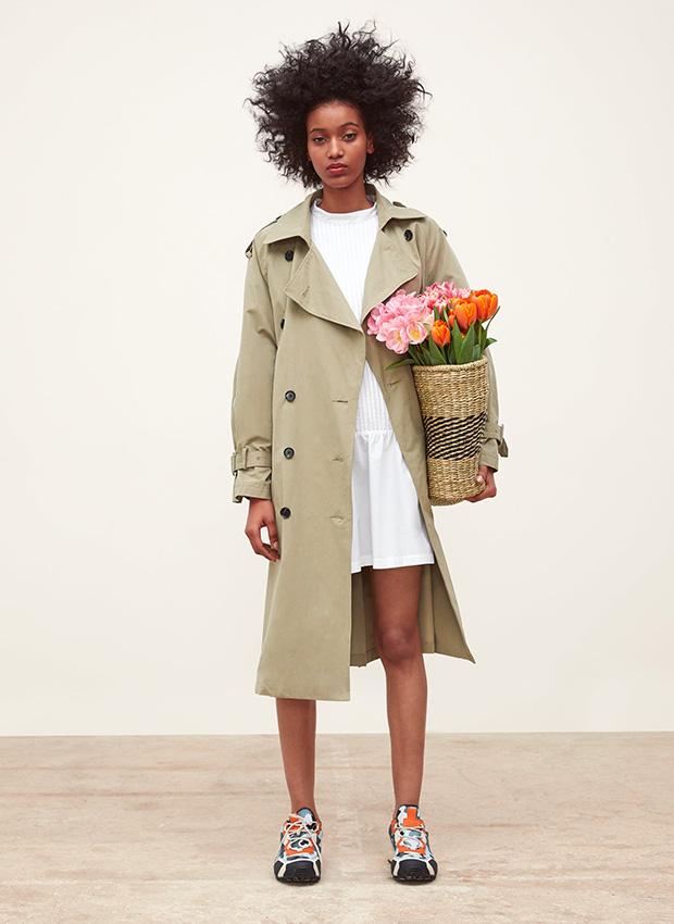 Outfits de entretiempo: Gabardina larga de Zara