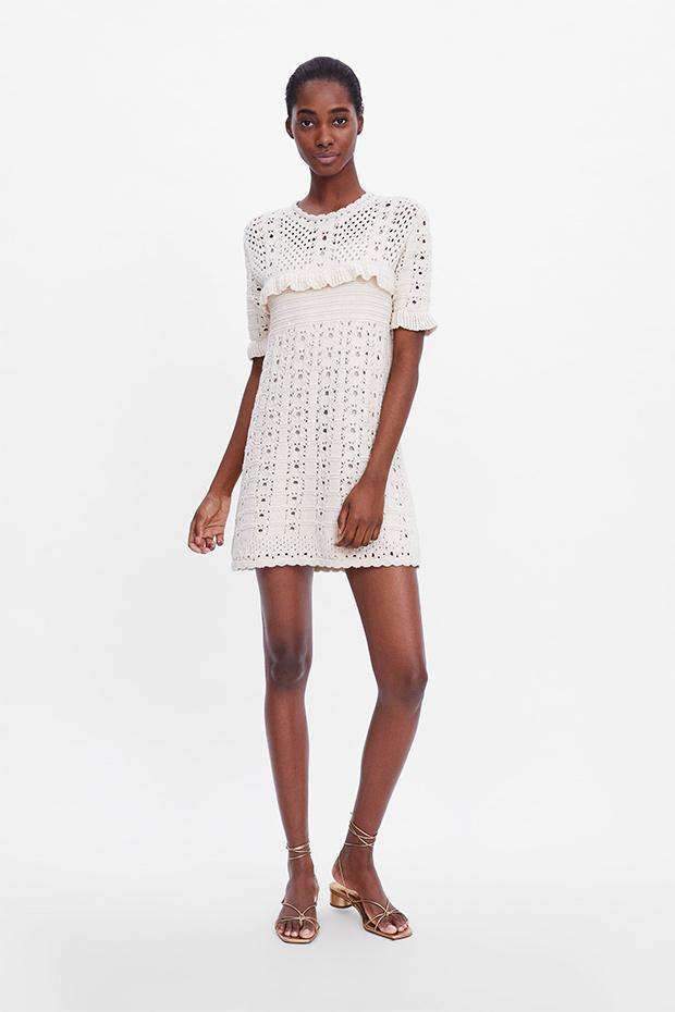 Vestido blanco de crochet de Zara