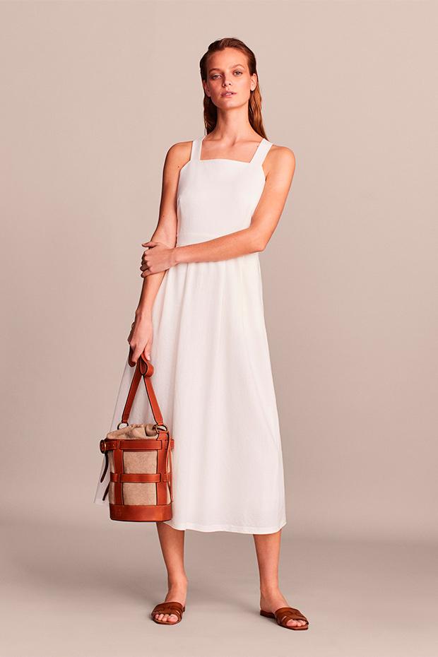Vestido blanco de Massimo Dutti con espalda cruzada