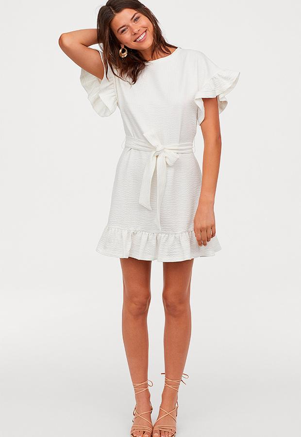 Vestido blanco de H&M con volantes