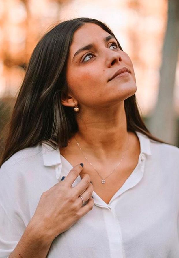 Maria García de Jaime con colgante de brillante