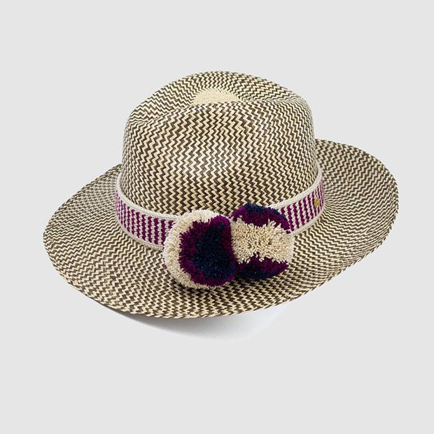 Sombrero con pompones
