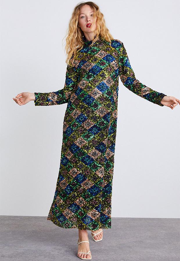 Vestido largo multicolor de lentejuelas de Zara