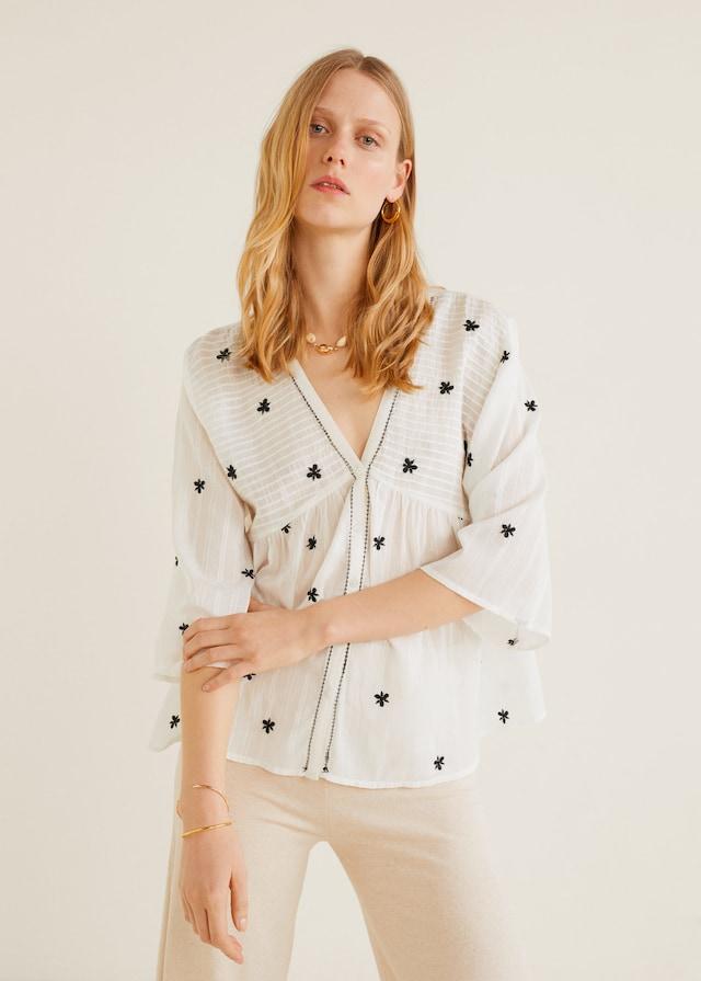Blusa de Mango con bordados