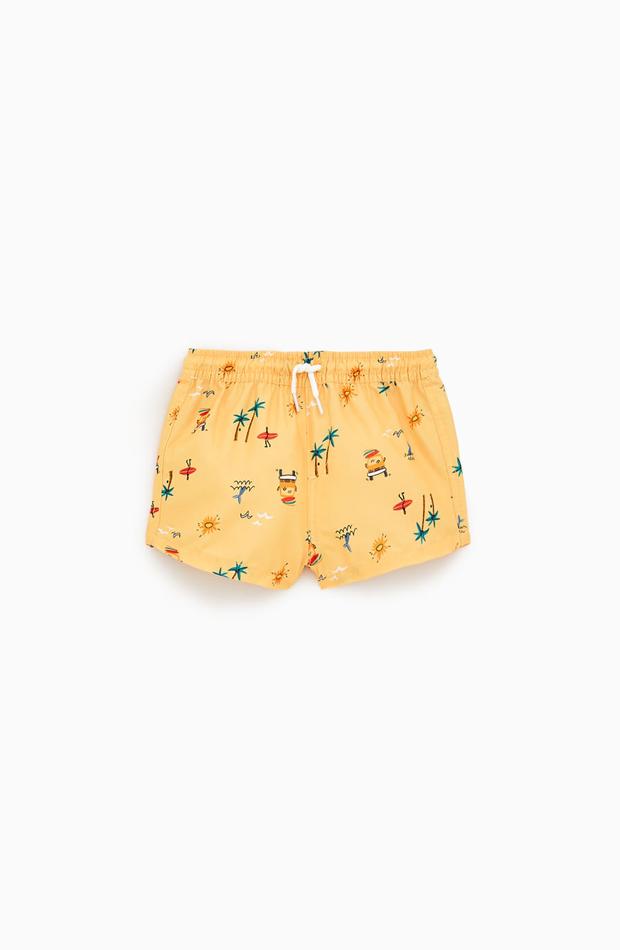 Bañador amarillo estampado de la colección de verano de Zara Kids