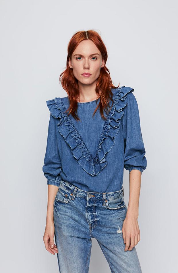 Camisa vaquera con volantes de Zara