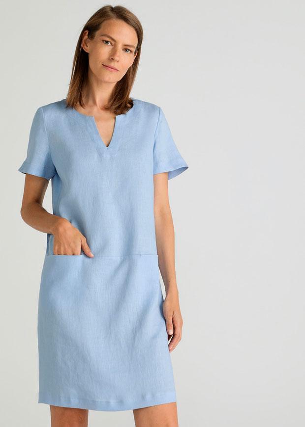 Vestido de manga corta en azul bebé