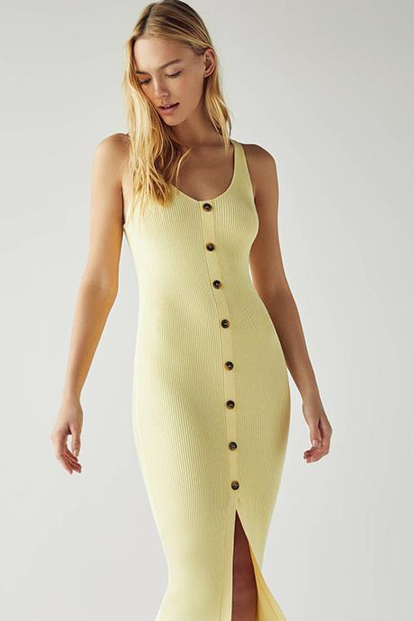 Vestido amarillo de canalé de Bershka