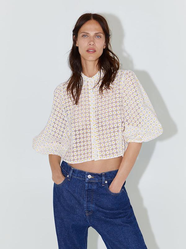 Blusa de organza con margaritas de Zara