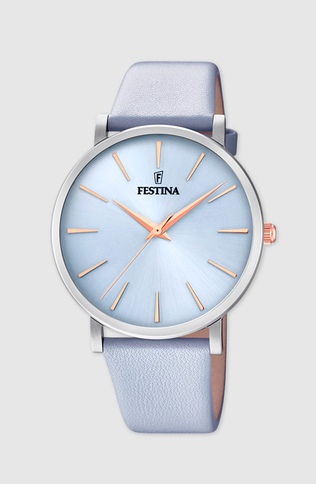 Reloj con correa de piel en azul bebé de Festina