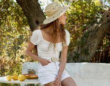 Si quieres vestir de blanco este verano, tienes que ir a Stradivarius