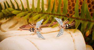 10 joyas únicas con las que elevarás hasta tus looks más básicos