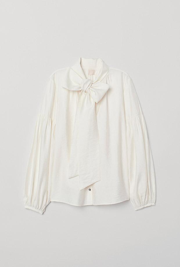 Blusa blanca con lazada