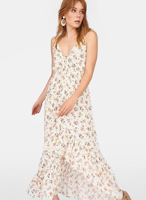 Vestido blanco con estampado de flores y volantes