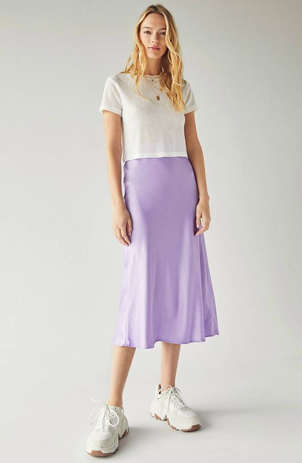 Falda midi de satén color lila