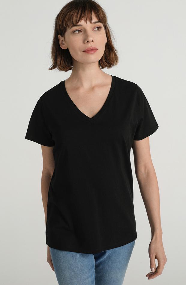 fondo de armario camiseta negra