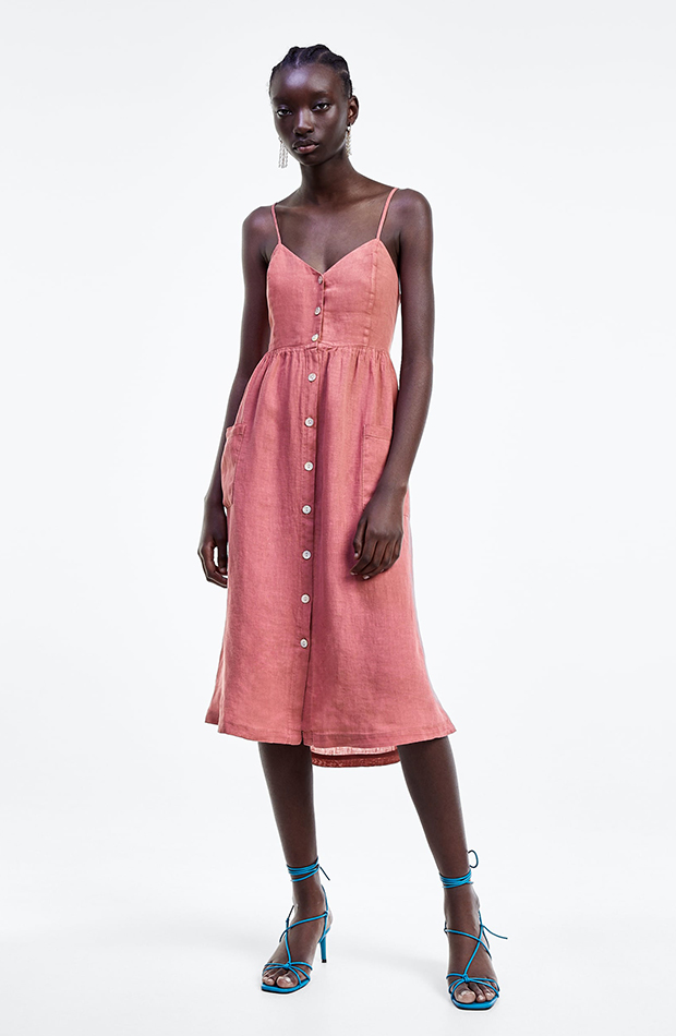 prenda de lino vestido con botones zara