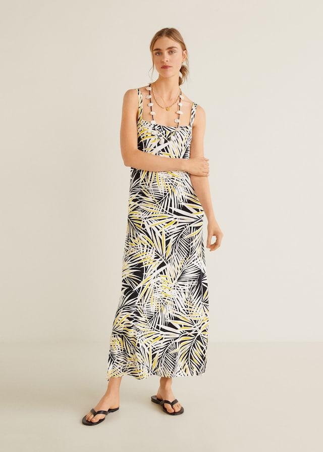 Vestido largo estampado de las rebajas de Mango