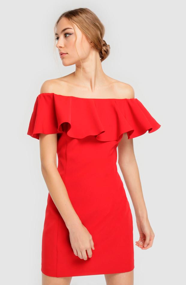 Vestido rojo con volante en el pecho