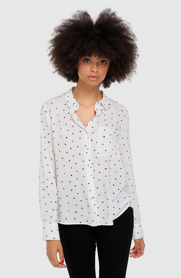 Camisa blanca con estampado de estrellas de Easy Wear