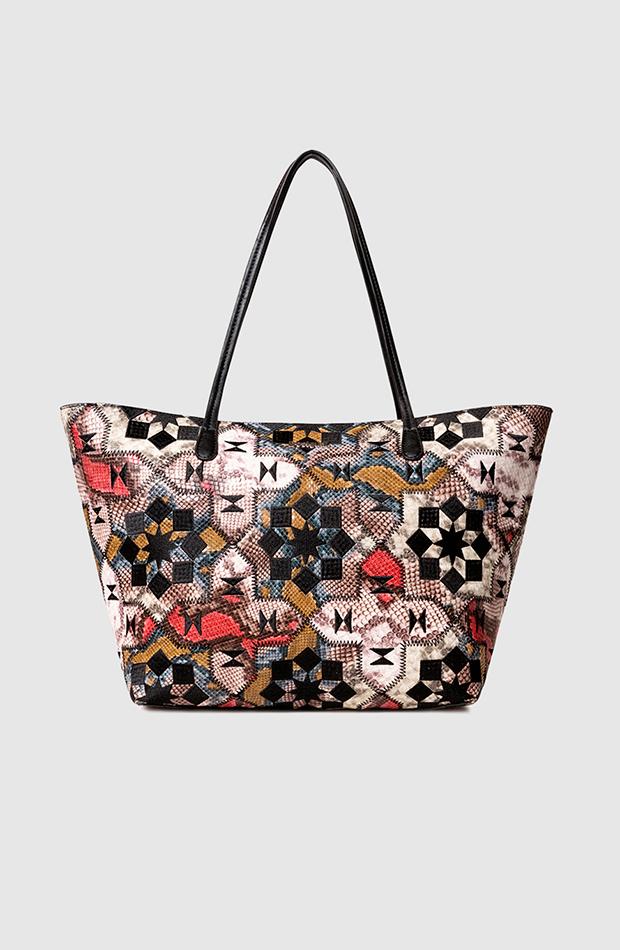bolsos de temporada otoño Bolso shopper con estampado ornamental de Desigual