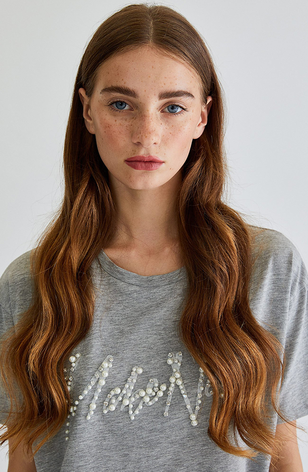 tendencias otono 2019 camiseta con perlas