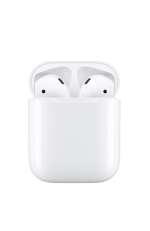 AirPods blancos con botón de apple
