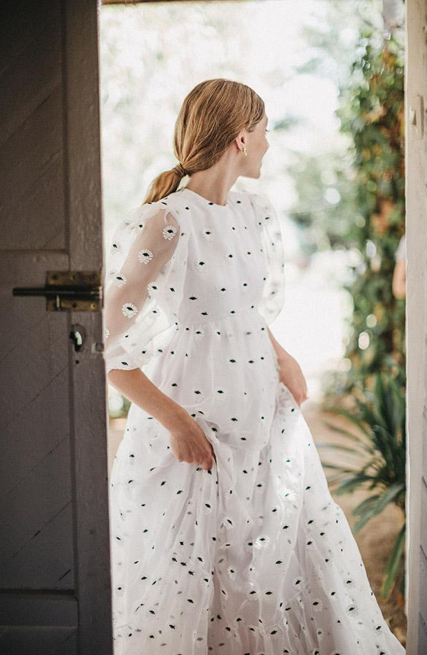 Vestido con bordados de la Colección de novias Saudade de Cherubina