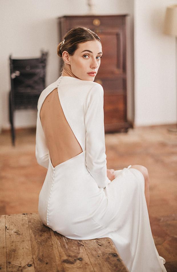 Vestido con escote en la espalda de la Colección de novias Saudade de Cherubina