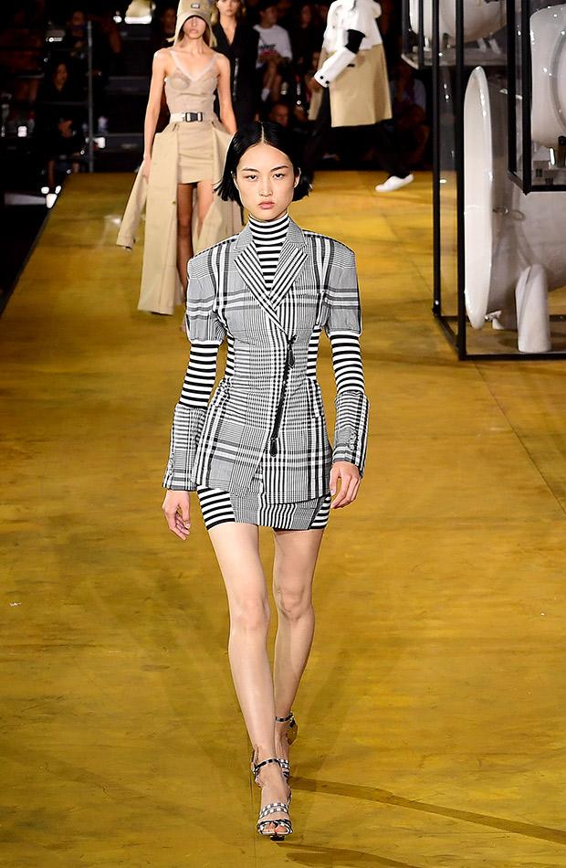 Vestido estampado a rayas Burberry primavera verano 2020