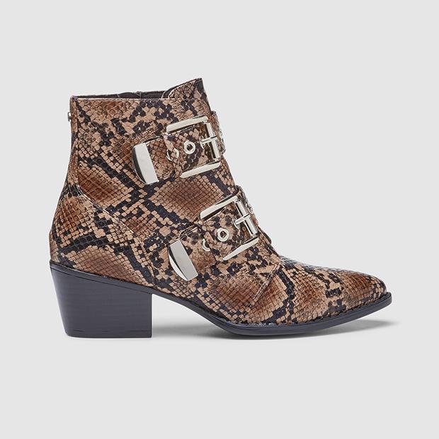 calzado animal print botines con hebillas
