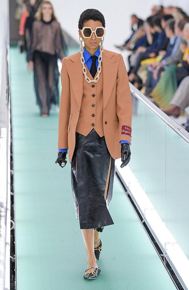Gucci primavera verano 2020 traje con falda