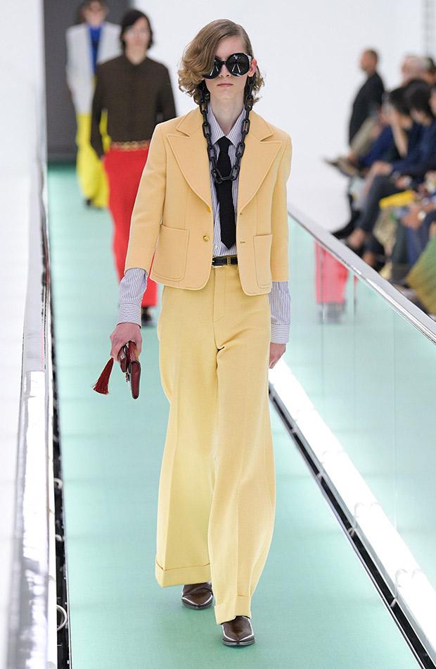 Gucci primavera verano 2020 traje hombre amarillo