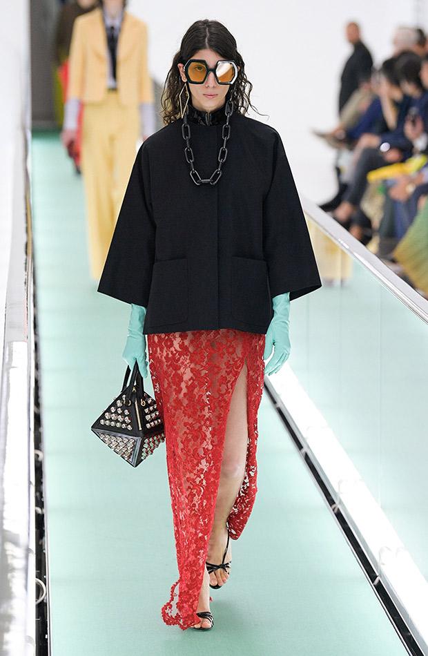 Gucci primavera verano 2020 falda roja lencera