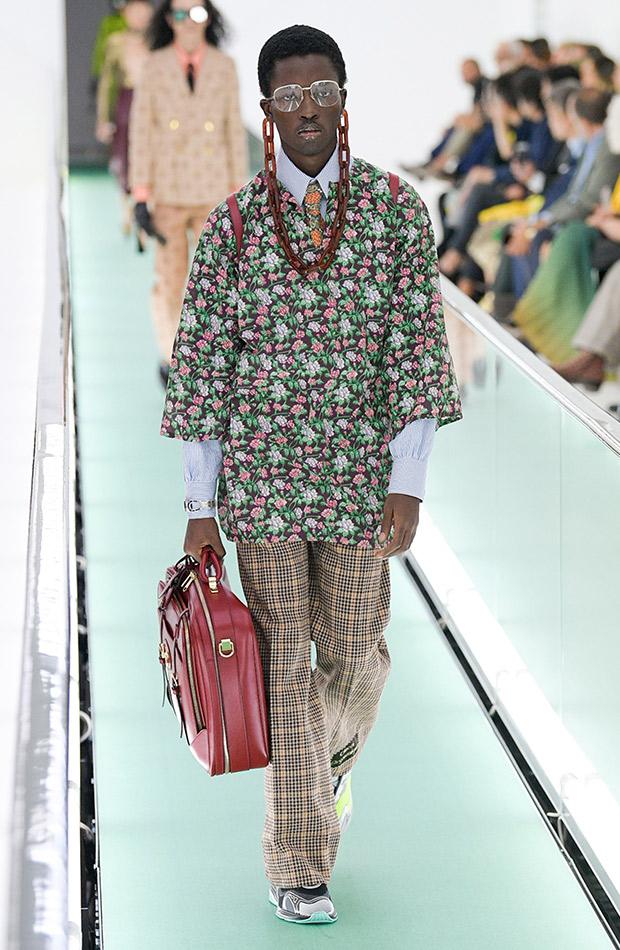 Gucci primavera verano 2020 conjunto hombre estampado
